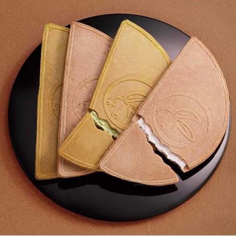 『鎌倉半月』のサブスク(老舗和菓子屋)